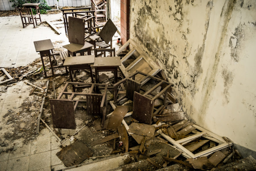 Discarded Furniture in Yixin Vocational School 益新工商職