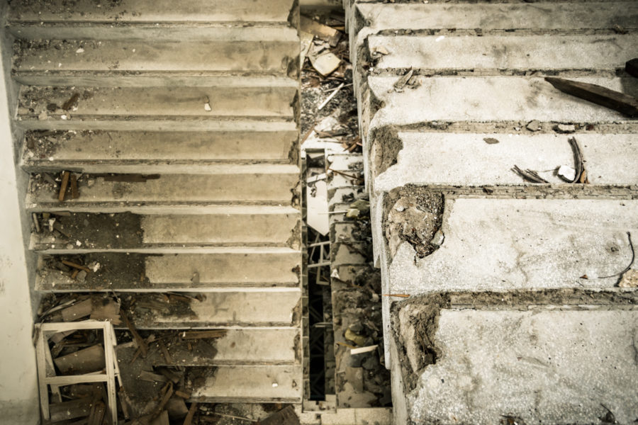 Broken Stairways at Yixin Vocational School 益新工商職業