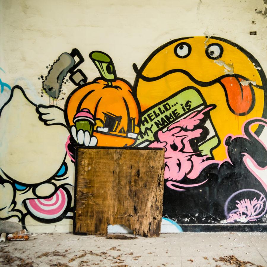 More Wall Art Inside Yixin Vocational School 益新工商職業
