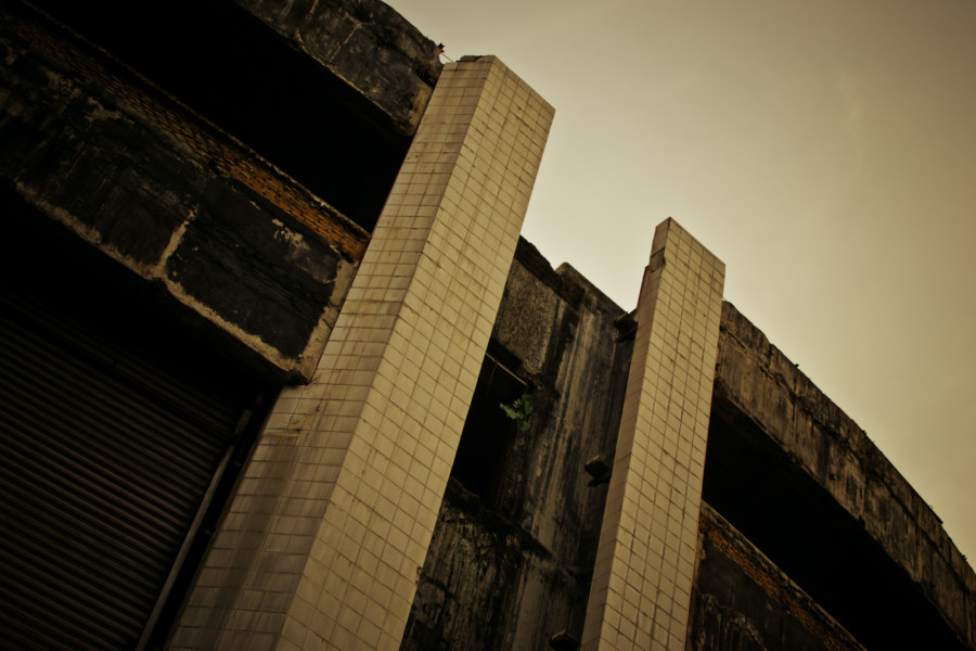 Derelict mall in downtown Bangkok